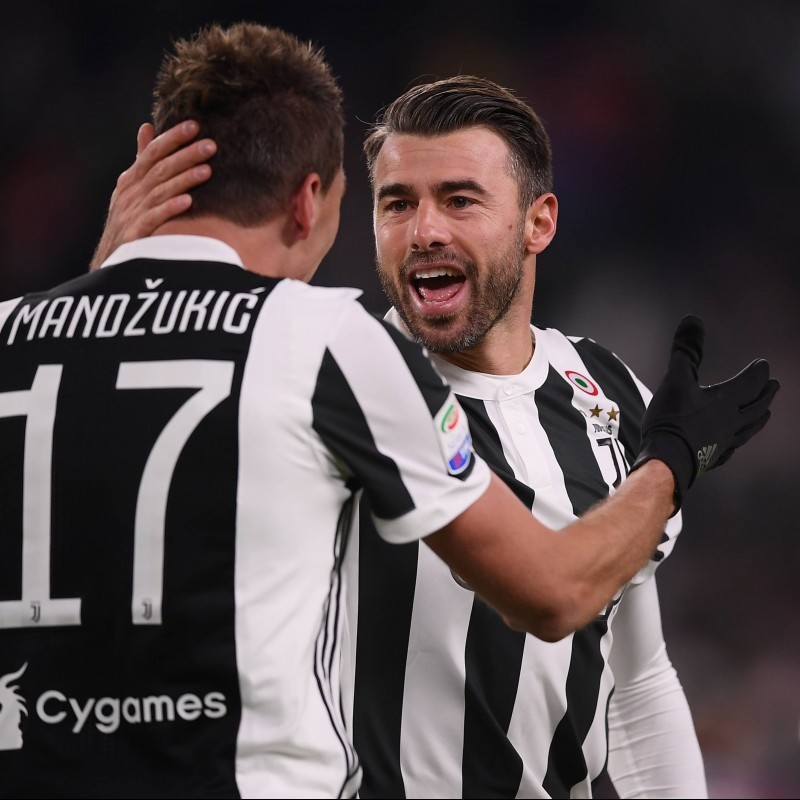 Official 2017/18 FC Juventus Shirt Signed by Barzagli