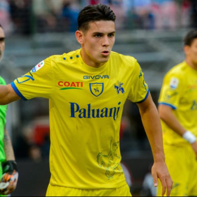 Stepinski's Official Chievo Signed Kit, 2018/19