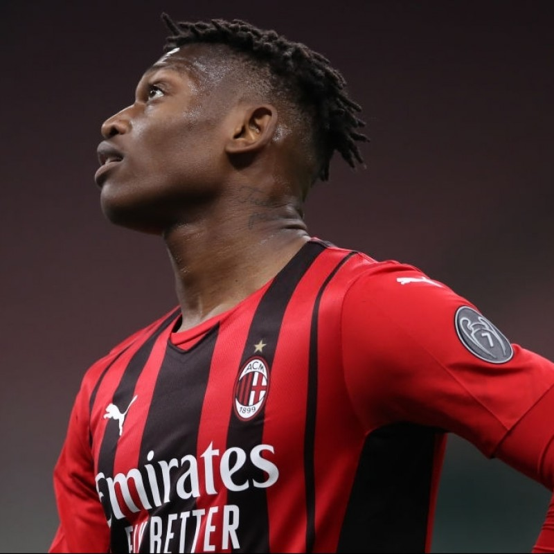 Leao's Worn and Signed Shirt, Milan-Cagliari 2021
