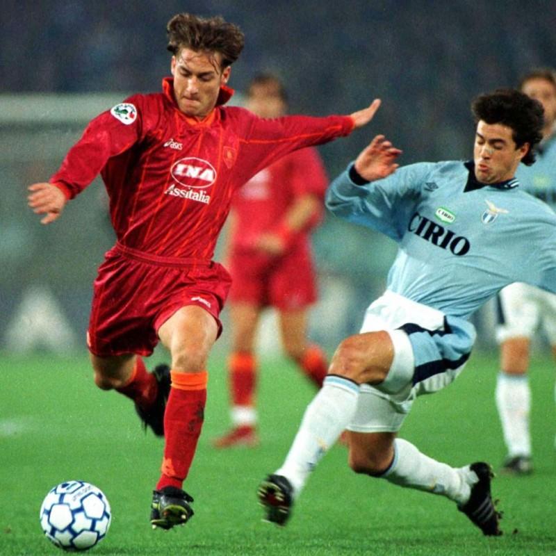 Scarpe preparate e autrografate da Francesco Totti