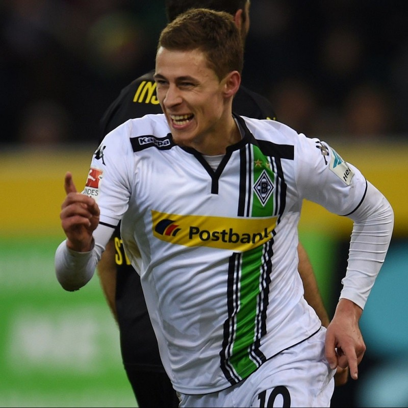 Hazard's Gladbach Signed Match Shirt, 2015/16