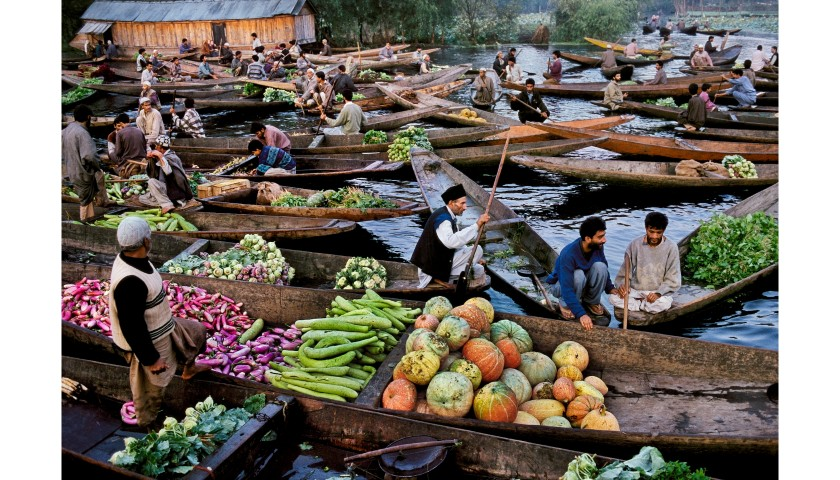 "Steve McCurry and Sudest57 - ""Venditori al mercato sul lago Dal, Srinagar, Kashmir"" by Steve McCurry"