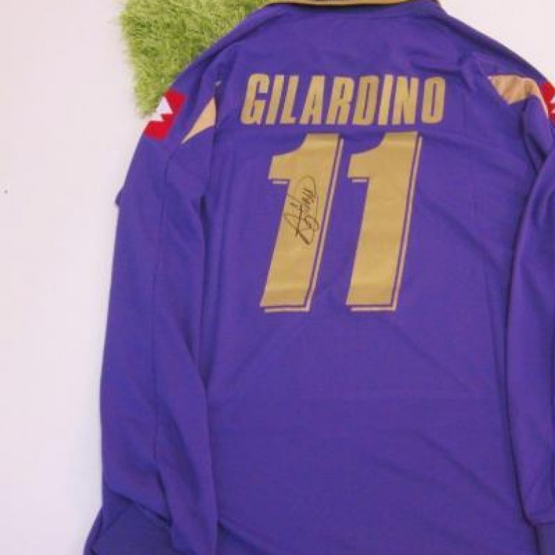 Gilardino Fiorentina shirt,  2010/2011 season - signed