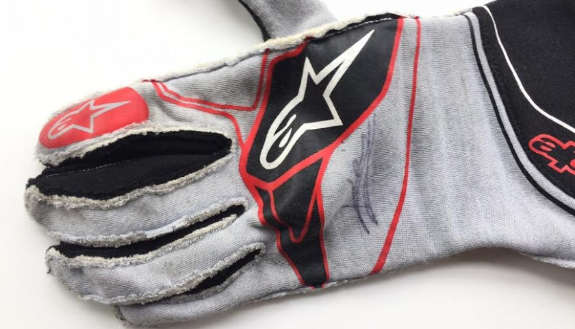 Kevin Magnussen 2017 Haas F1 Team worn-signed gloves