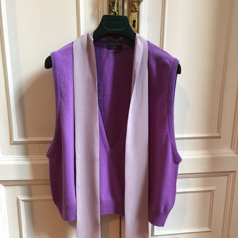 Jejia Grace Gilet in Violet Lambswool and Silk