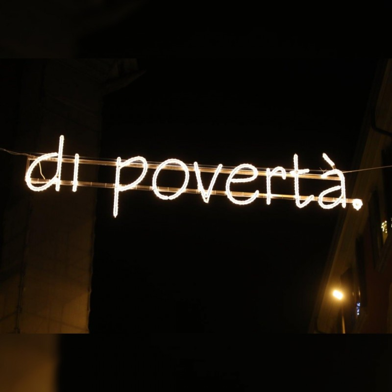 """Di povertà"" - Streetlight by Ayrton Senna"