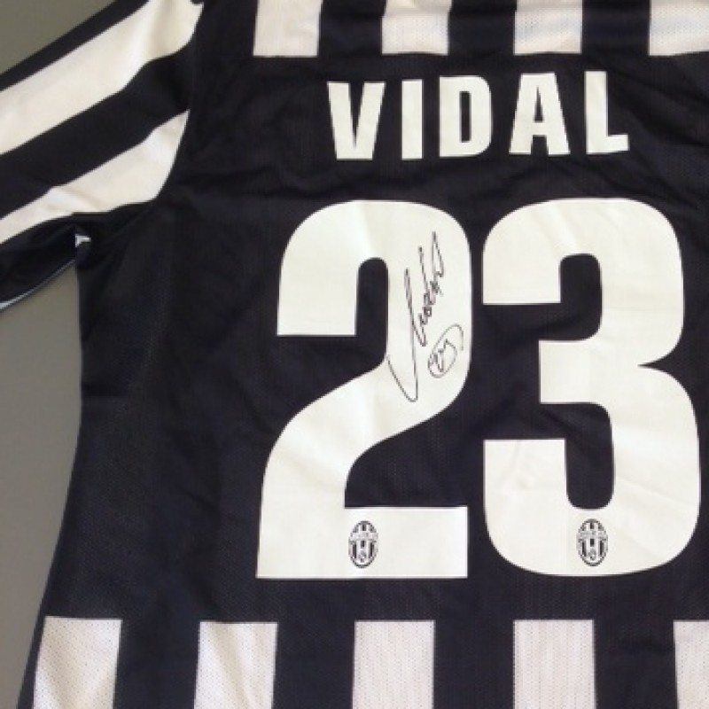 Vidal match issued shirt, Juventus, Serie A 2013/2014 - signed