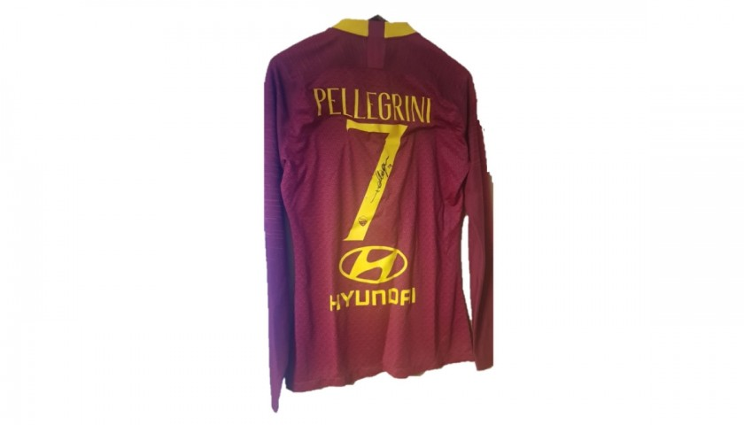 Receive Pellegrini's Shirt from Matilde Brandi and Lorenza Mario