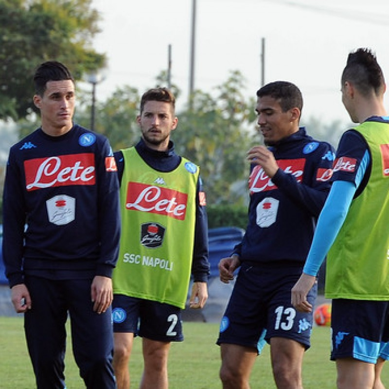 Official Napoli Bib - Signed by the Players