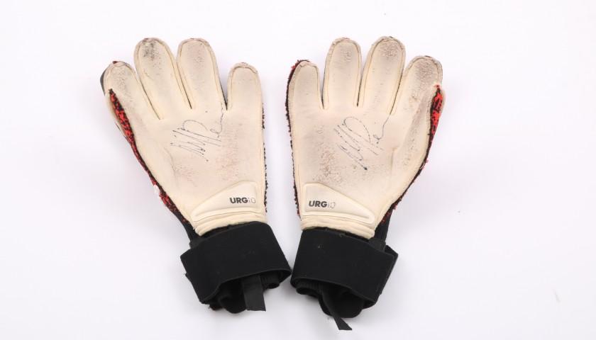 presentando promozione acquisto speciale Mattia Perin's Worn and Signed Adidas Goalkeeper's Gloves - CharityStars