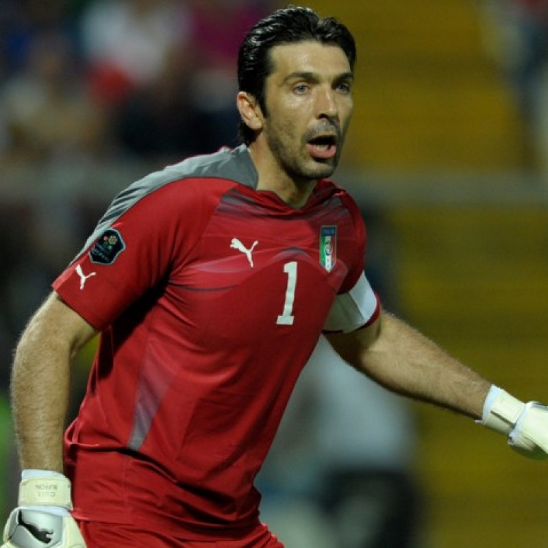 Buffon's Match-Issue Italy Shirt, 2010 World Cup