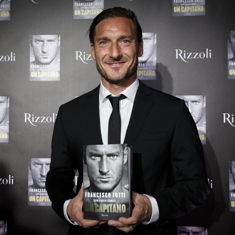 Libro 'Un Capitano' di Francesco Totti - Special Box