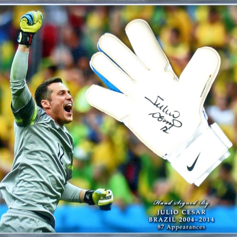 Júlio César Signed Brazil Goalkeeping Glove Presentation