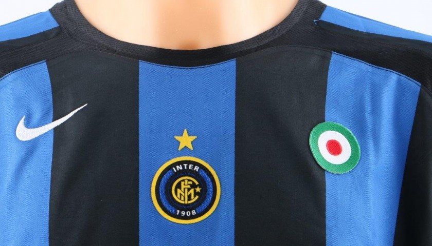 new product 7346e bd147 Figo Inter match issued/worn shirt, Serie A 2005/2006 - CharityStars