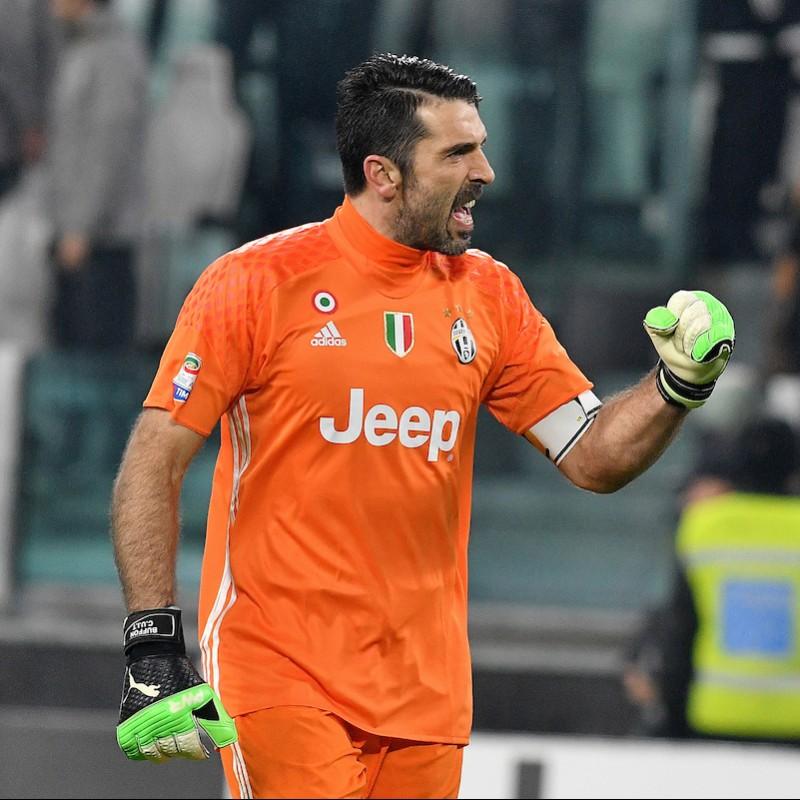 Official 2016/17 Buffon Juventus Shirt, Signed