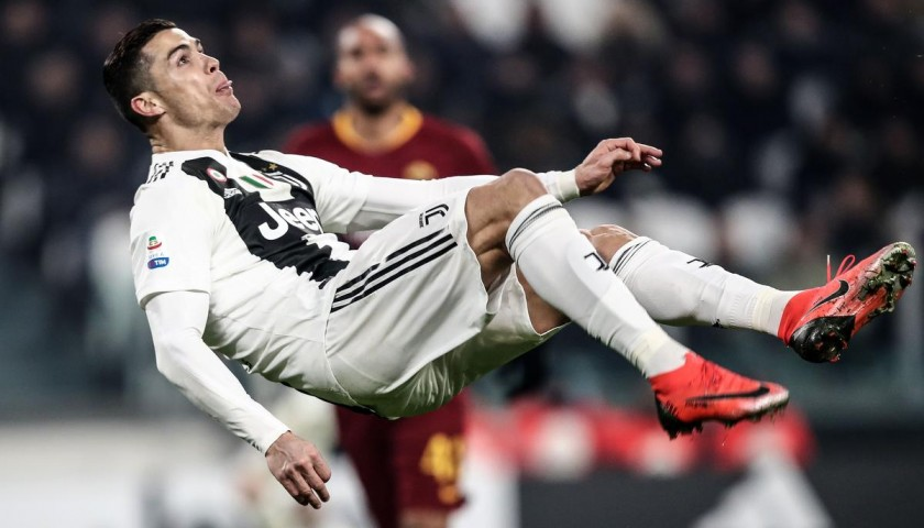 online store 479e4 32ff8 Cristiano Ronaldo s Nike Mercurial CR7 Signed Boots