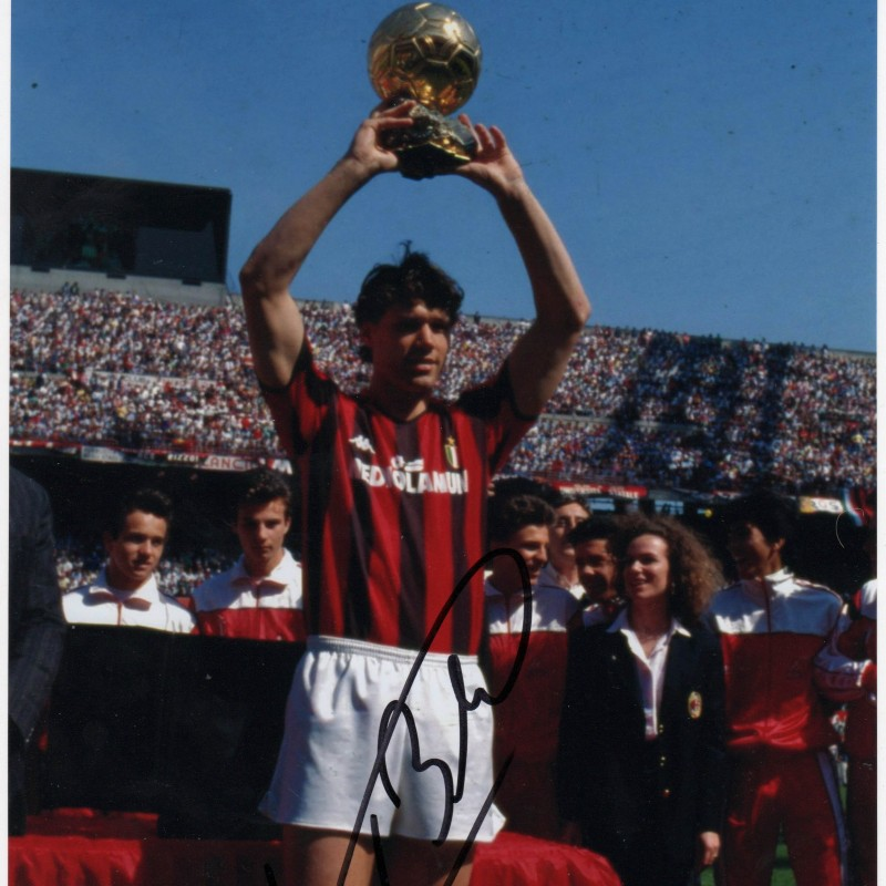 Signed Photograph of Van Basten with AC Milan