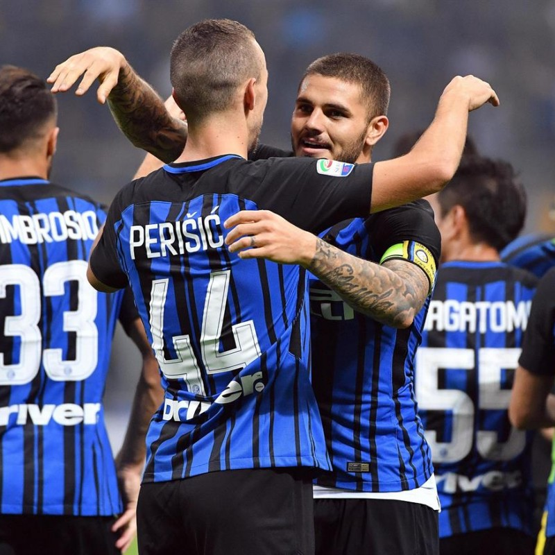 Watch the Inter-Juventus Match from the Ground Box + Walkabout