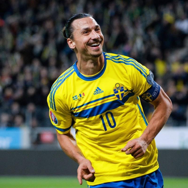 Sweden Training Shirt - Signed by Ibrahimovic