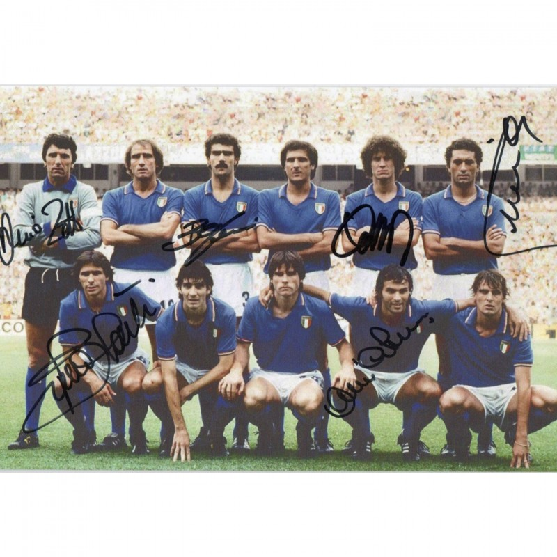Italy 1982 Photograph - Signed by the World Champions