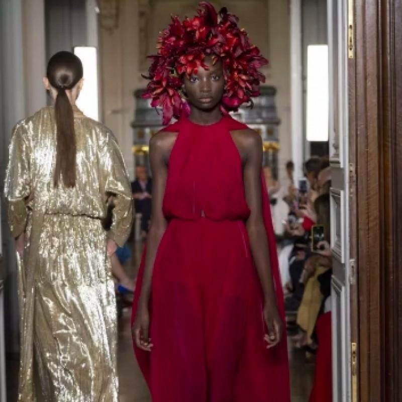 Assisti alla sfilata di Valentino Haute Couture a Parigi