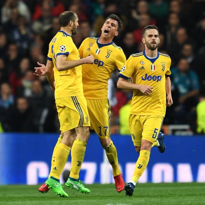 Chiellini's Match-Worn Puma One Signed Boots, 2017/18 Season