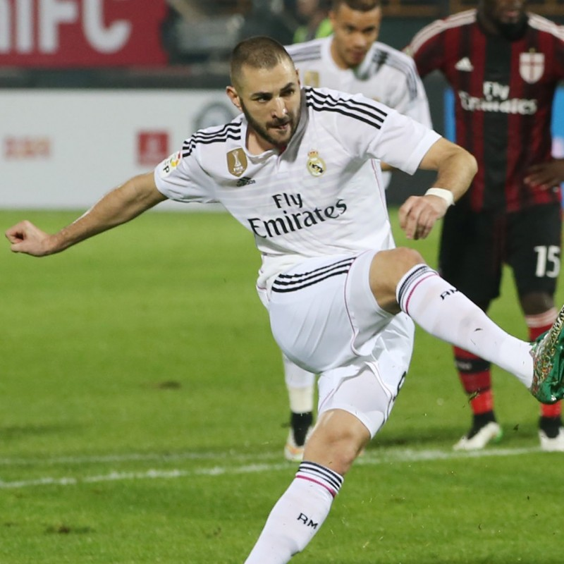 Benzema match shirt issued/worn in Real Madrid-Milan