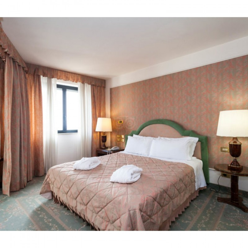 4-Night Stay for 2 at the Grand Hotel Excelsior in Reggio Calabria, Italy
