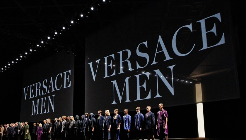 Attend VERSACE Fashion Show A/I 17 | 2 seats