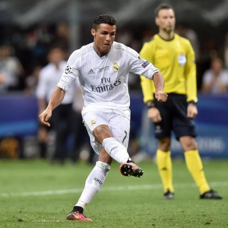 Match-Ball UCL, Final Milan 2016 - Signed by Ronaldo