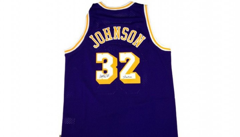 newest cc8a6 363fc Official Replica LA Lakers Jersey Signed by Magic Johnson - CharityStars