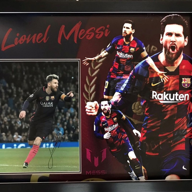 Signed Lionel Messi Barcelona Football Photo Display