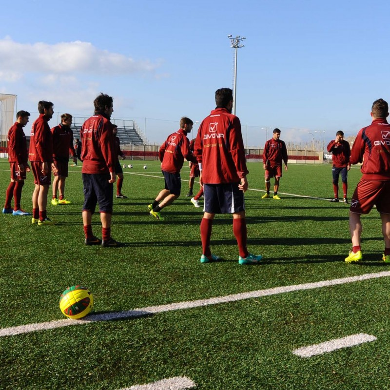 Go see Salenitana training, have lunch with the managers, meet the coach and players