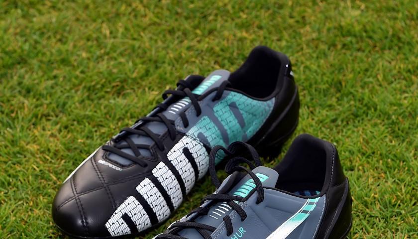 Scarpe da calcio autografate da Adam Lallana CharityStars