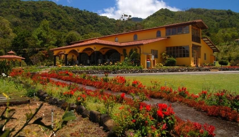 Enjoy 7-Nights at Los Establos Boutique Inn in Panama