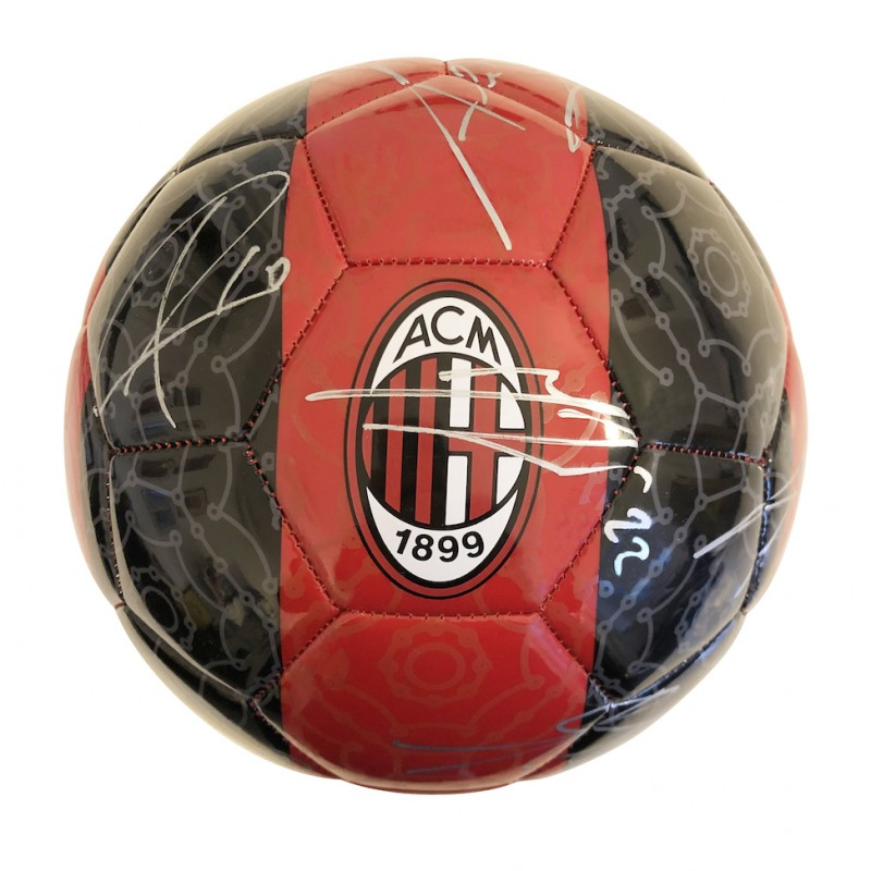 Official A.C. Milan Football, 2020-2021 - Signed by the Squad