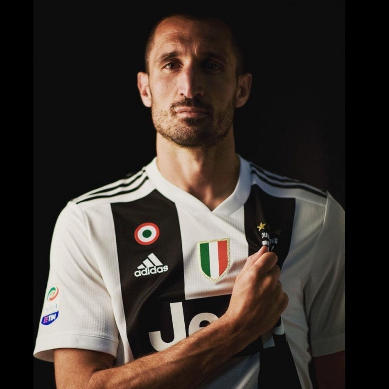 Chiellini's  Juventus Worn and Signed Shirt with Dedication