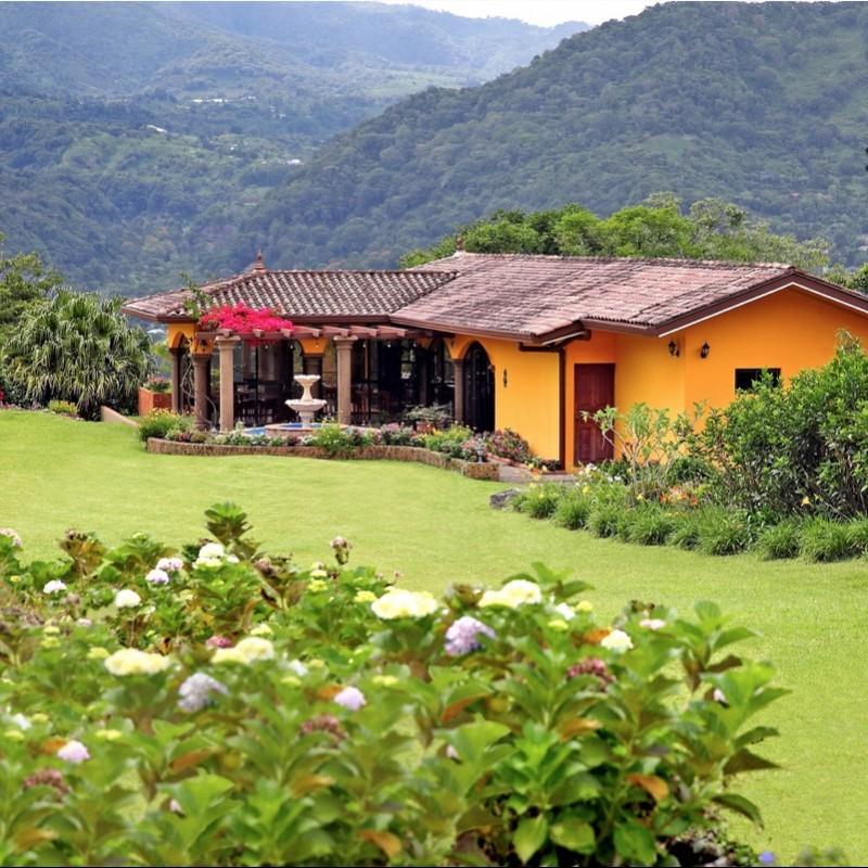 Enjoy a Week at Los Establos Boutique Inn in Panama