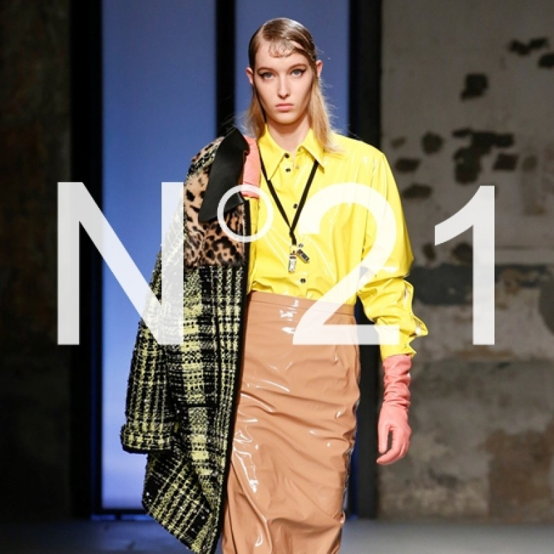 Attend the N°21 F/W 2019/20 Fashion Show