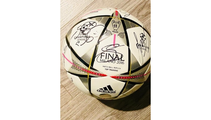 Official UCL Ball 2015/16 Signed by Real Madrid UCL Champion Team
