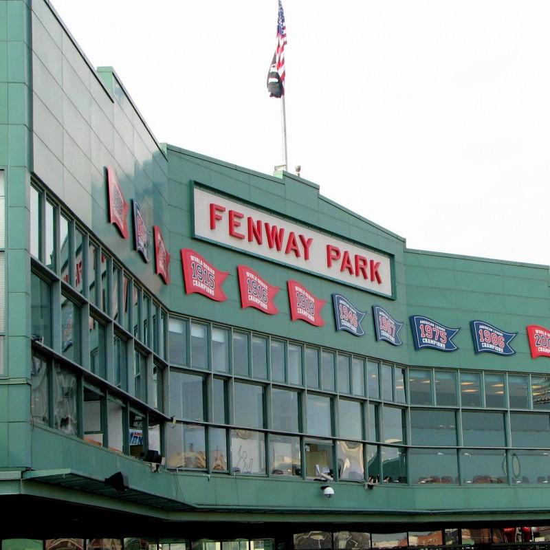 Red Sox Suite Experience per 10 persone con voli
