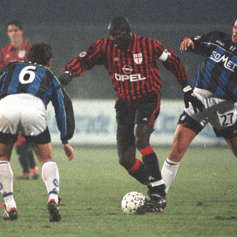 Weah's Official Milan Signed Shirt, 1999/00