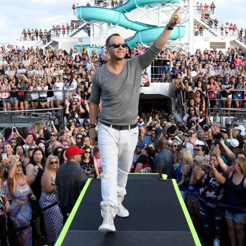 Win a Cabin on NKOTB Cruise X, Private Photo Op with Donnie & the Band + More!