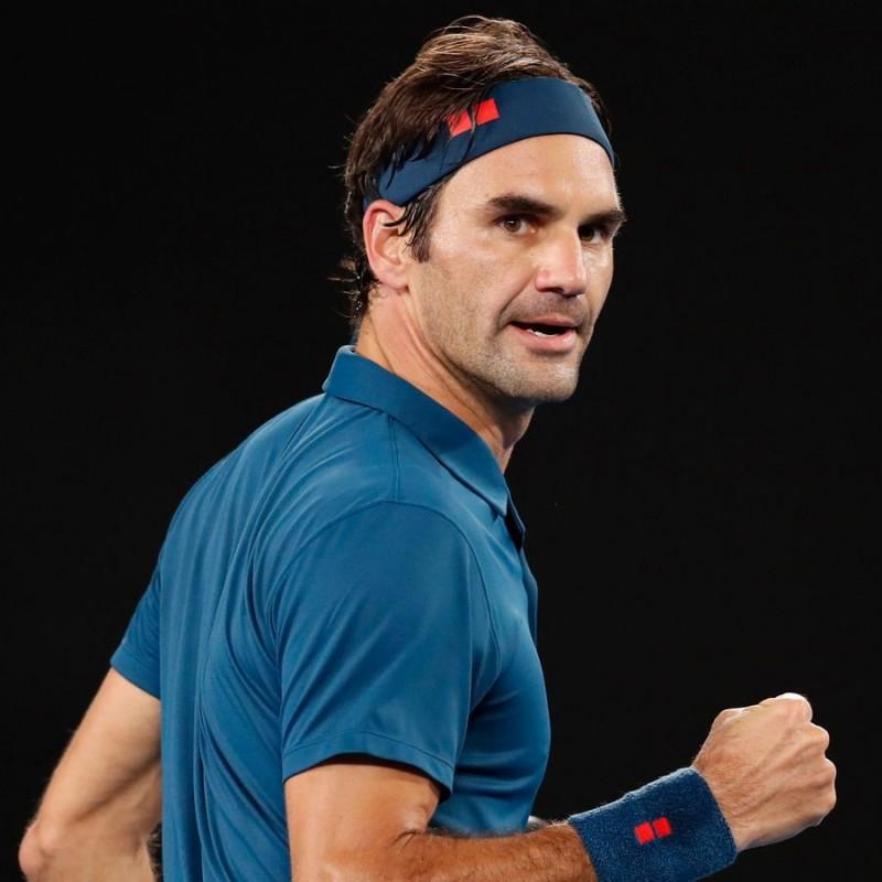 Roger Federer Worn and Signed Nike T-Shirt