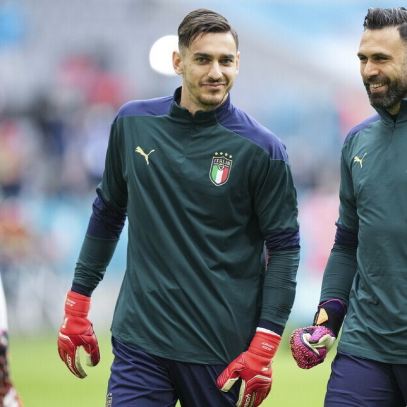 Meret's Italy Match Gloves, Euro 2020