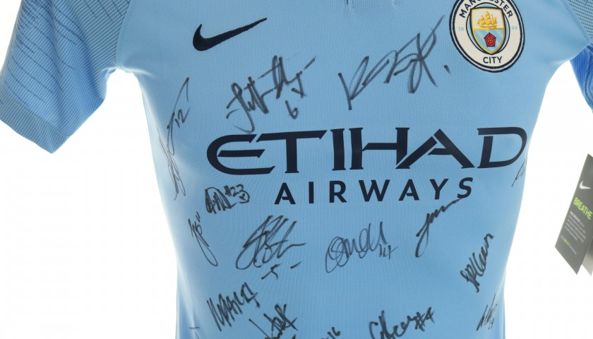 Official 2018/19 Manchester City Home Shirt signed by the Women Squad