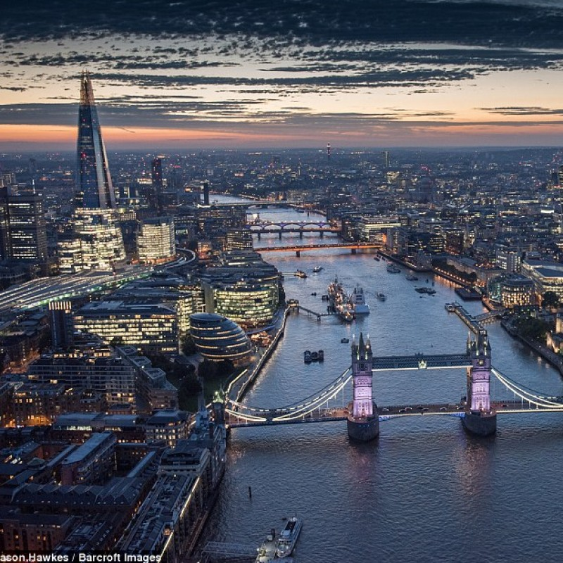 Private flight over London for Two People