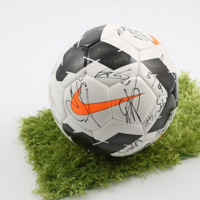 Nike official ball, Serie A 2014/2015 - signed by AS Roma players