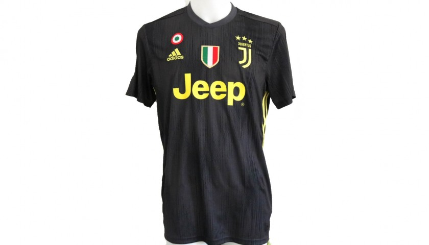 various colors 954b7 93245 Ronaldo's Official Juventus 2018/19 Signed Shirt - CharityStars