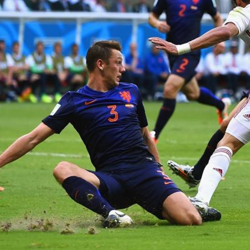 De Vrij's Official Netherlands Signed Shirt, 2014/15